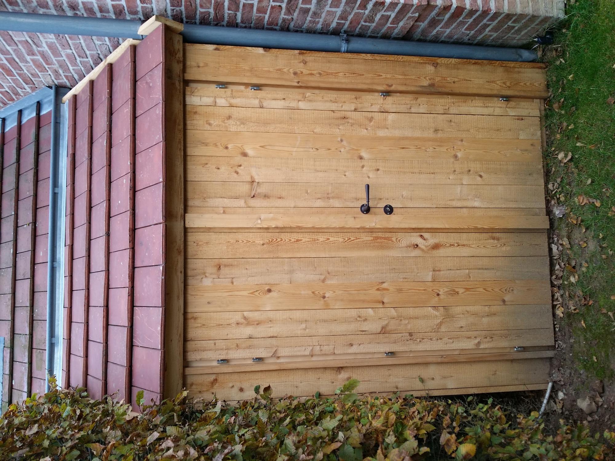 Construction cabane en bois lasne belgique cabanon for Abris de jardin en bois belgique
