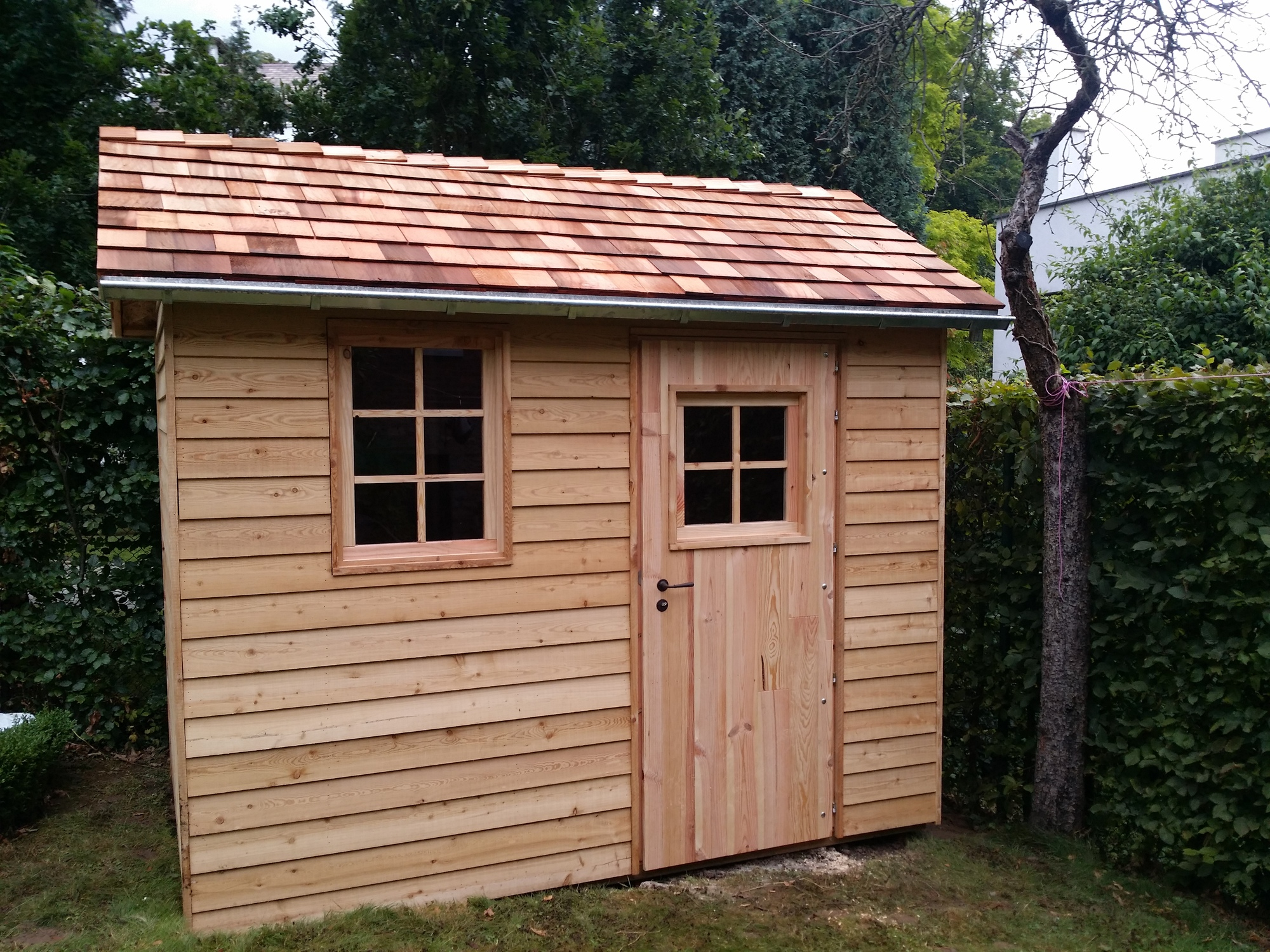 Construction cabane en bois lasne belgique cabanon for Cabane de jardin belgique